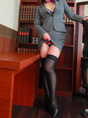 コチラの秘書は素敵で知的で痴的なのです